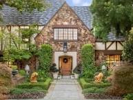 HartmanBaldwin_Pomello_English-Tudor-Home